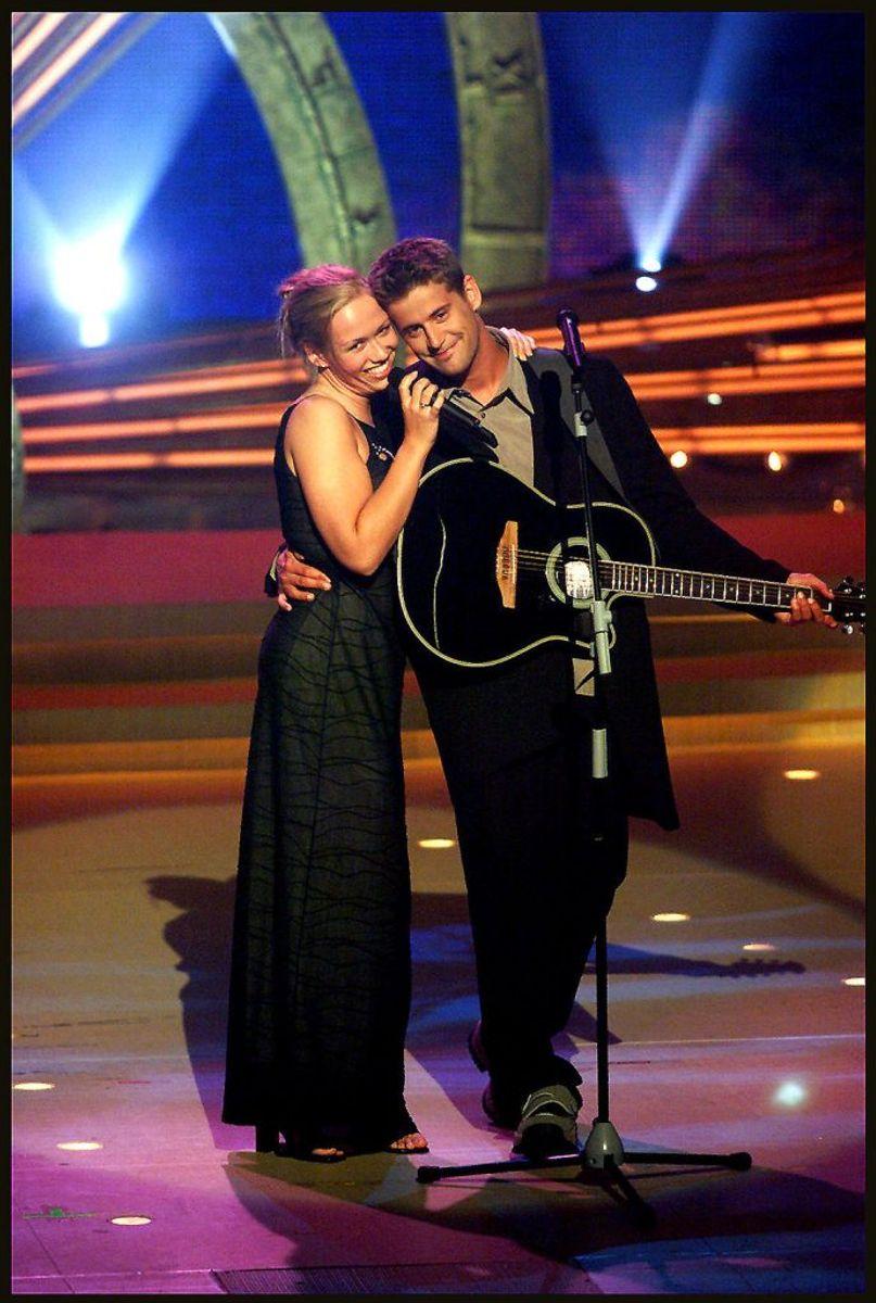 Trine Jepsen og Michael Teschl vandt Dansk Melodi Grand Prix 1999 med sangen Denne gang. Foto: BAX LINDHARDT/Scanpix (Arkivfoto)