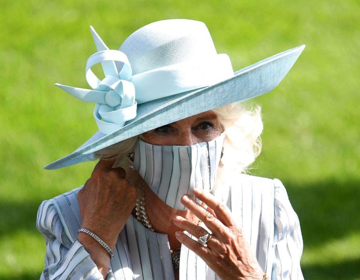 Camilla, hertuginde af Cornwall – nu med mundbind på til Royal Ascot. Foto: DANIEL LEAL-OLIVAS / AFP