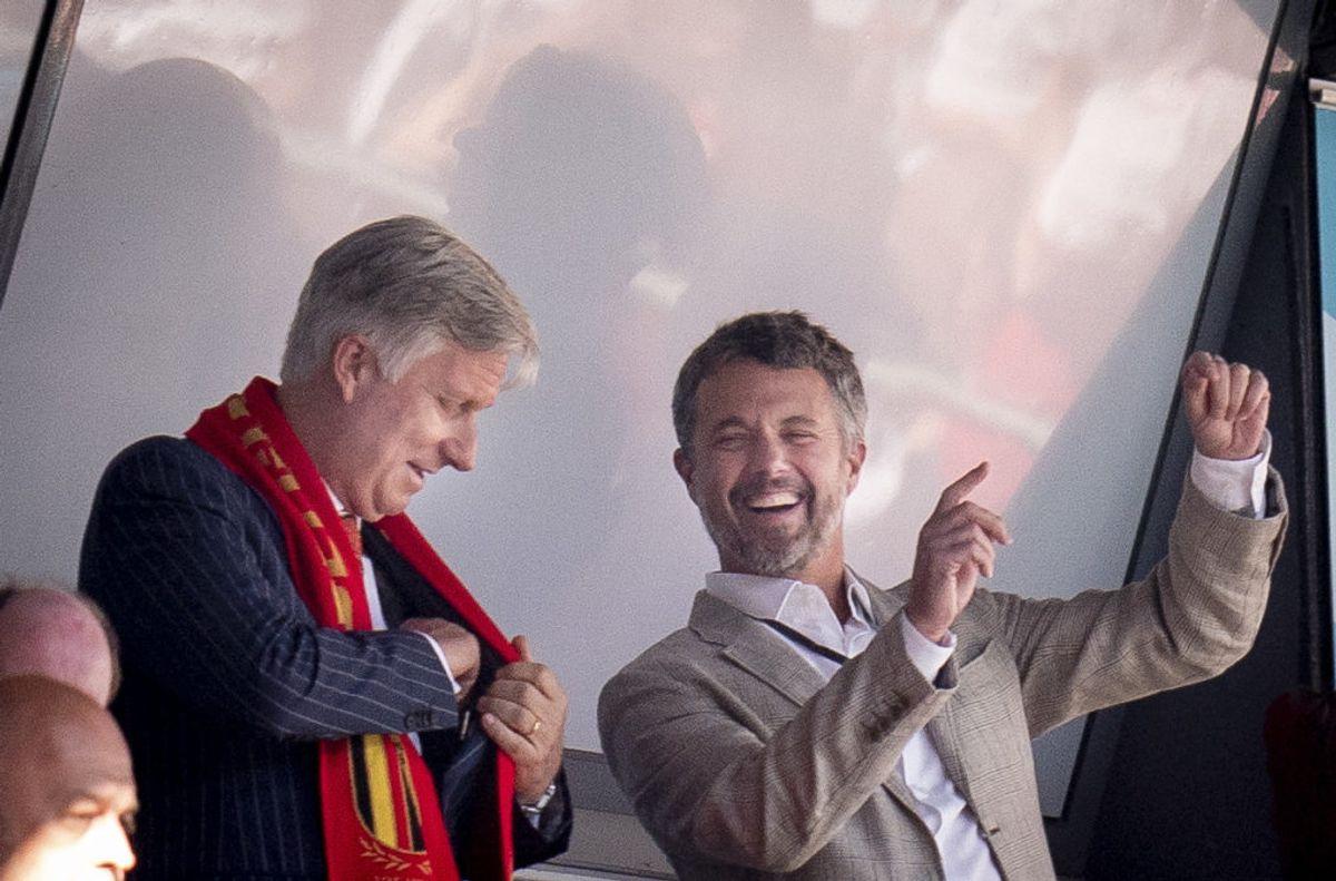 Kong Philippe af Belgien og Kronprins Frederik før EM-kampen mellem Danmark-Belgien i Parken, torsdag den 17. juni 2021. (Foto: Liselotte Sabroe/Ritzau Scanpix)