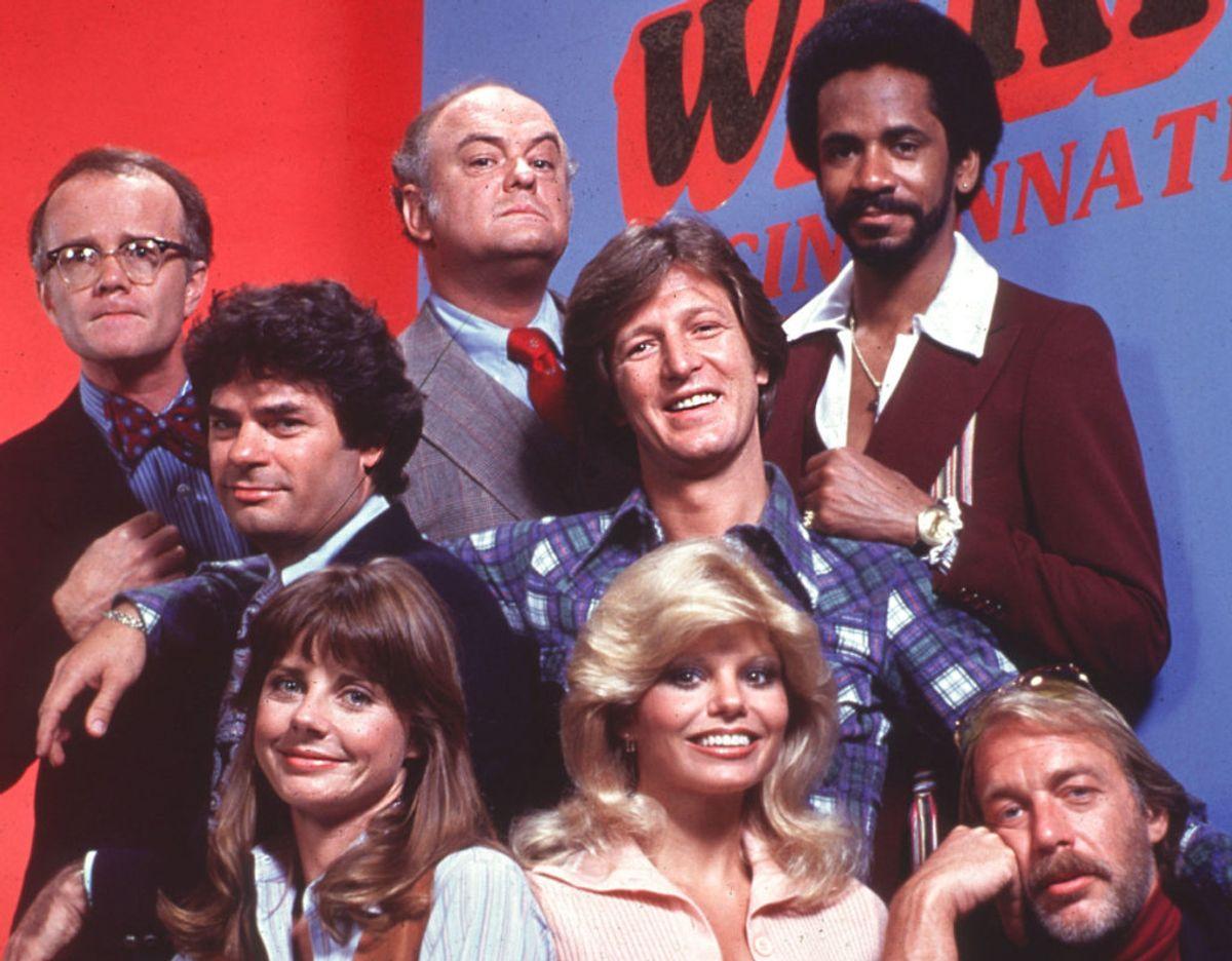 'Halløj i æteren'-stjernen Frank Bonner (nr. to fra venstre) er død. Foto: :American Pictorial / Avalon