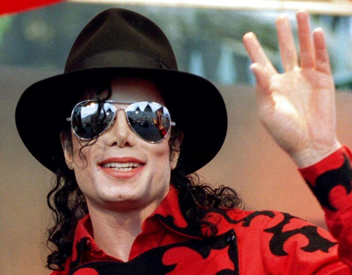 Afdøde Michael Jackson er kommet med i en aldeles eksklusiv klub. Hans megahit 'Billie Jean' har netop rundet en milliard visninger på YouTube. Foto: Scanpix/REUTERS/Megan Lewis/Files