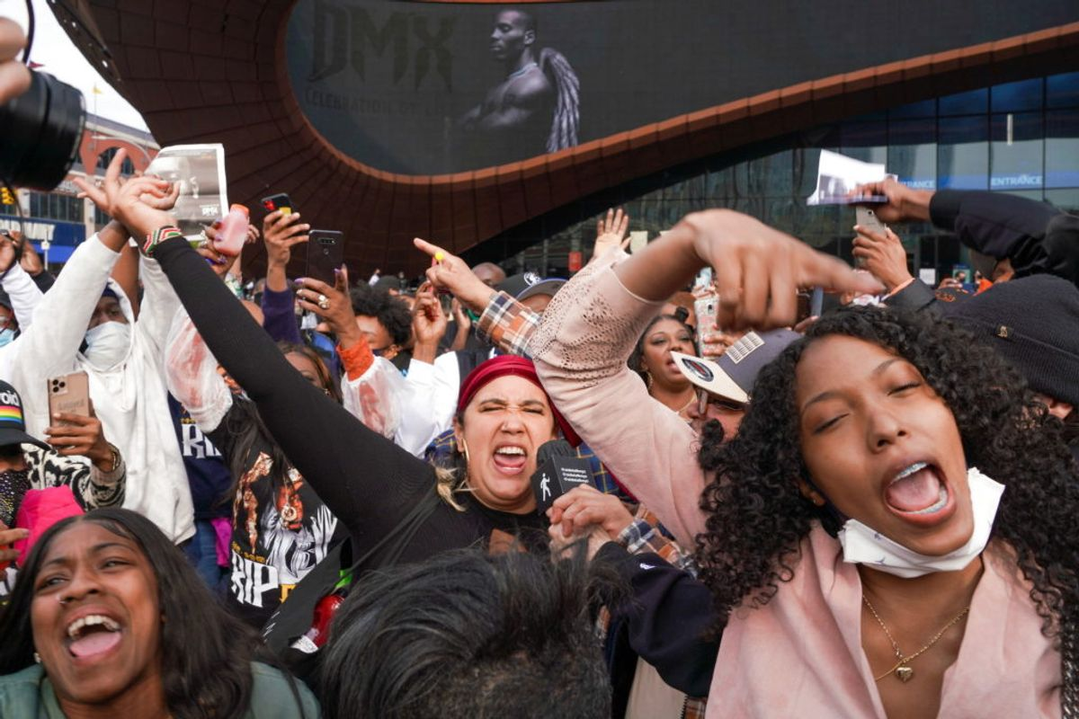 Fans viser deres sympati. Foto: David 'Dee' Delgado/Scanpix