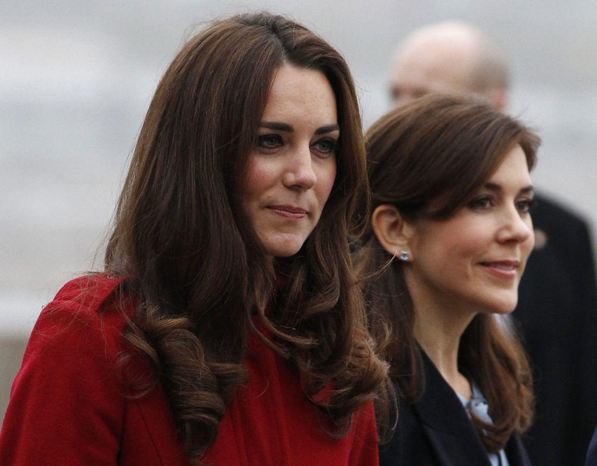 Mary og hertuginde Kate ses her sammen i København tilbage i 2011. Foto: Scanpix/REUTERS/Phil Noble