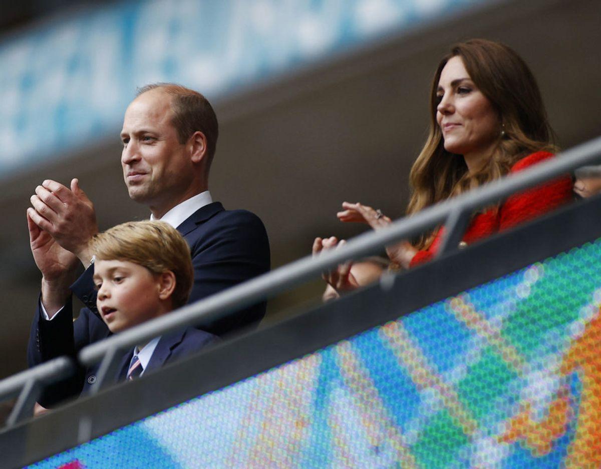 William, Kate og syv-årige prins George på Wembley under Englands kamp mod Tyskland den 29. juni. Foto: Scanpix/Pool via REUTERS/John Sibley