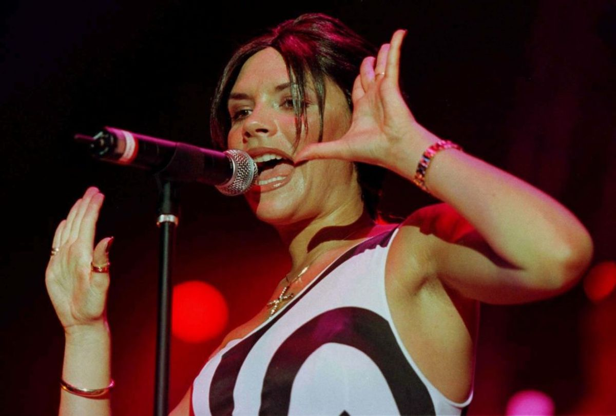 Victoria Adams, nu Beckham, var allerede i 98′ en kæmpe stjerne hos Spice Girls. Foto: jjm/Photo by Jeff J Mitchell REUTERS/Scanpix
