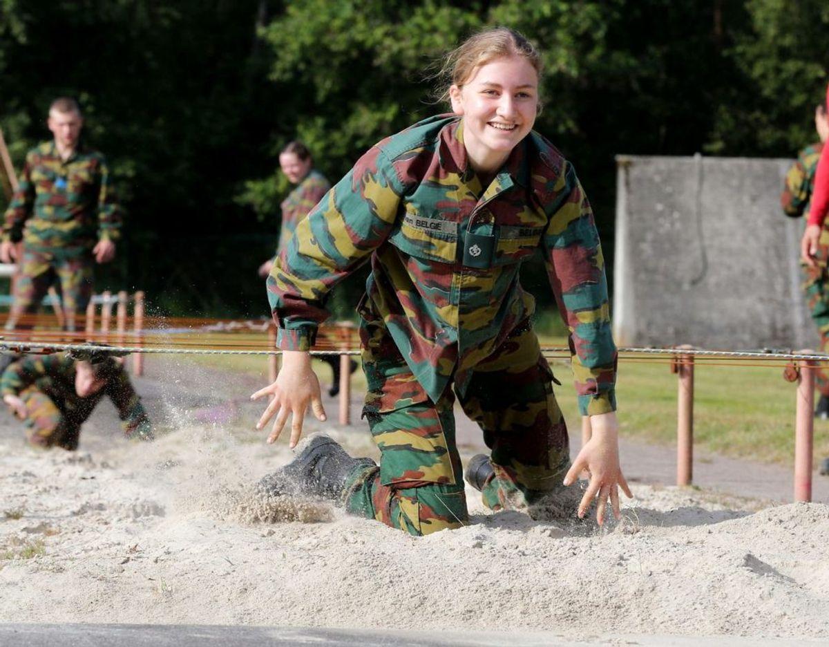 Pressen var inviteret ind til militæret, da Elisabeth snart slutter Foto: FRANCOIS WALSCHAERTS/Ritzau Scanpix