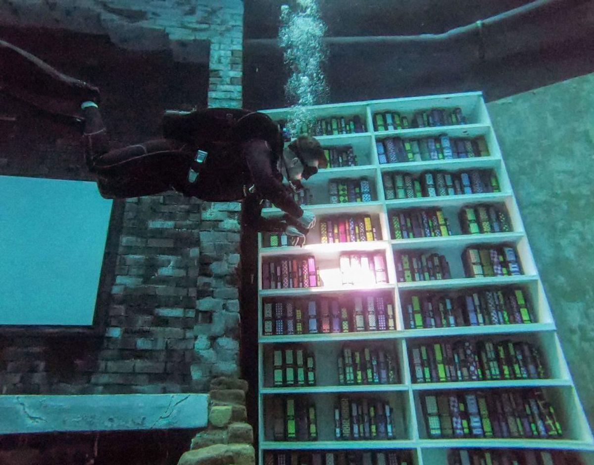 Et bibliotek er der selvfølgelig også.  FOTO:  GIUSEPPE CACACE / AFP