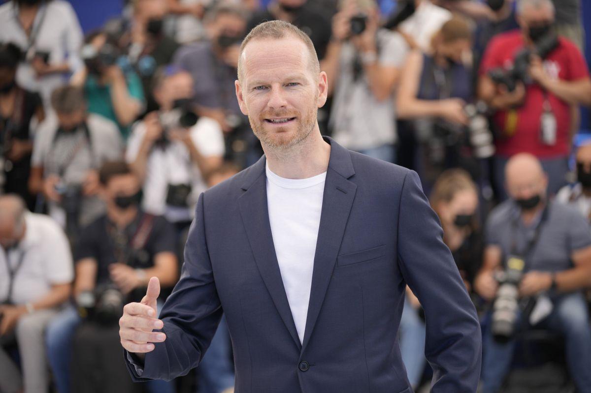 """På grund af coronasituationen har Joachim Trier ikke kunnet vise sin film til mere end fem mennesker ad gangen. Men det er der blevet lavet om på i Cannes, hvor """"Verdens værste menneske"""" er udtaget til hovedkonkurrencen."""