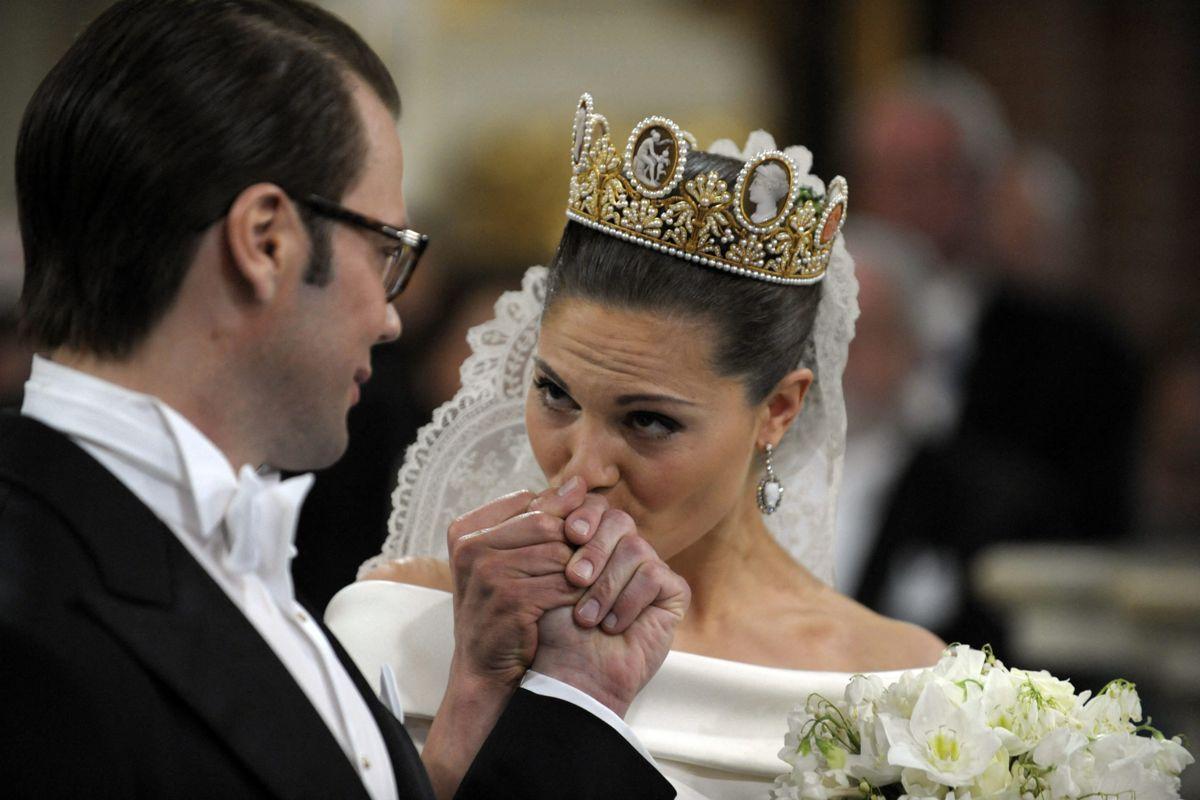 Det er 11 år siden, at kronprinsesse Victoria fik sin prins i den borgerlige Daniel Westling, som efter brylluppet foruden sin prinsesse også fik en prinsetitel. (Arkivfoto)