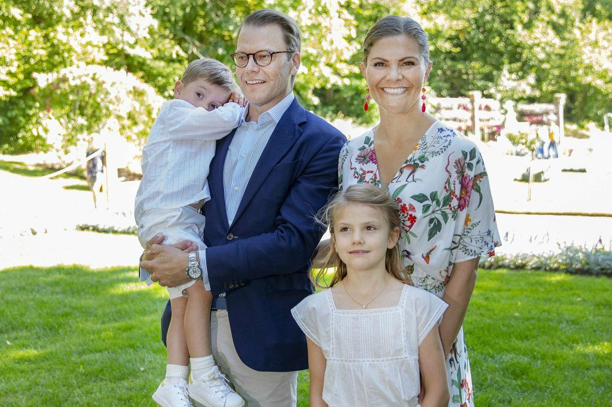 Siden udvidede parret familien. I 2012 blev de forældre til prinsesse Estelle, og fire år efter kom prins Oscar til. Prinsesse Estelle er den tredje i arvefølgen efter sin farfar, kong Carl Gustaf, og sin mor, kronprinsesse Victoria. (Arkivfoto)