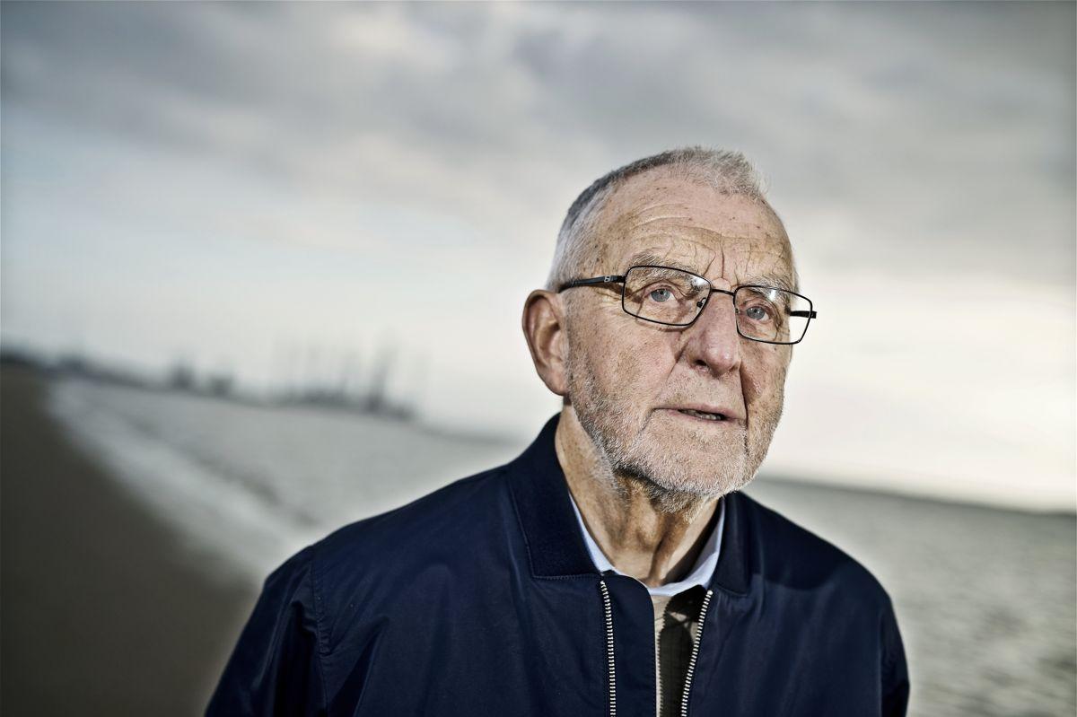 Laurits Tørnæs, som fylder 85 år, har to gange oplevet at blive enkemand, og efter at have fået beskadiget sit ene ben blev han nødt til at indstille tilværelsen som fisker. Men med en stor lyst på livet har han tøjlet modgangen og nået langt med en politisk karriere, hvor han blev landbrugsminister og senere amtsborgmester.