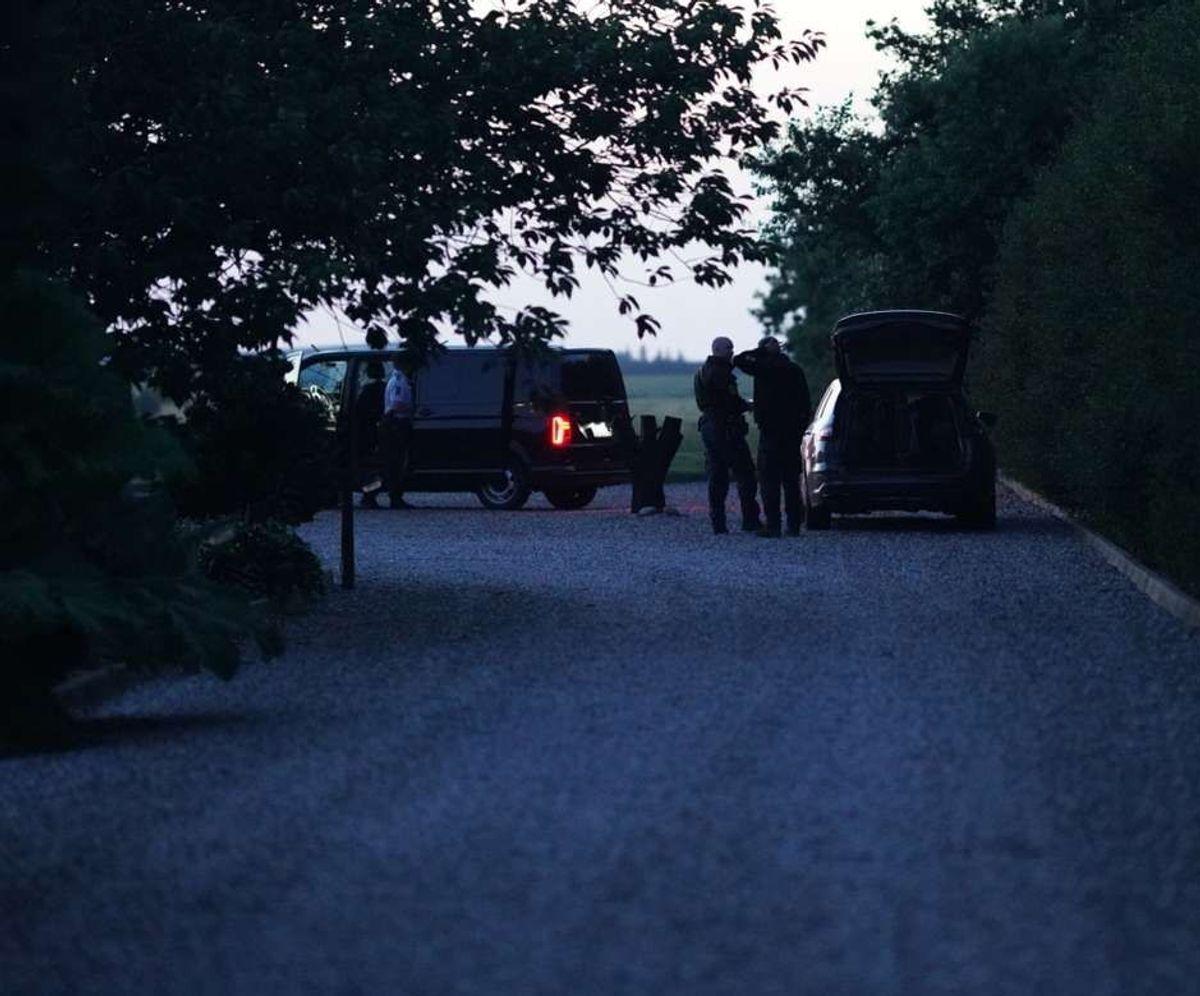 Der var indsat flere patruljer og hunde i eftersøgningen.