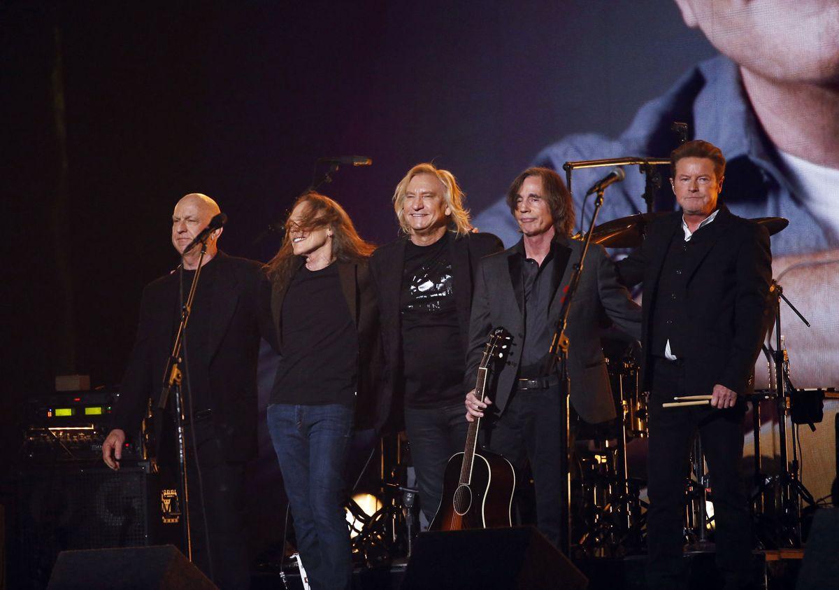 Nummer 4: The Eagles har hittet gennem fem årtier. Bandet nåede at spille 10 shows i 2020, hvilket gav dem en gigantisk indtægt. Men det er især rettighederne til deres egne masterbånd, der giver penge i kassen. Bandet tjente 102,7 millioner kroner i 2020. Foto: REUTERS/Mario Anzuoni/Ritzau Scanpix