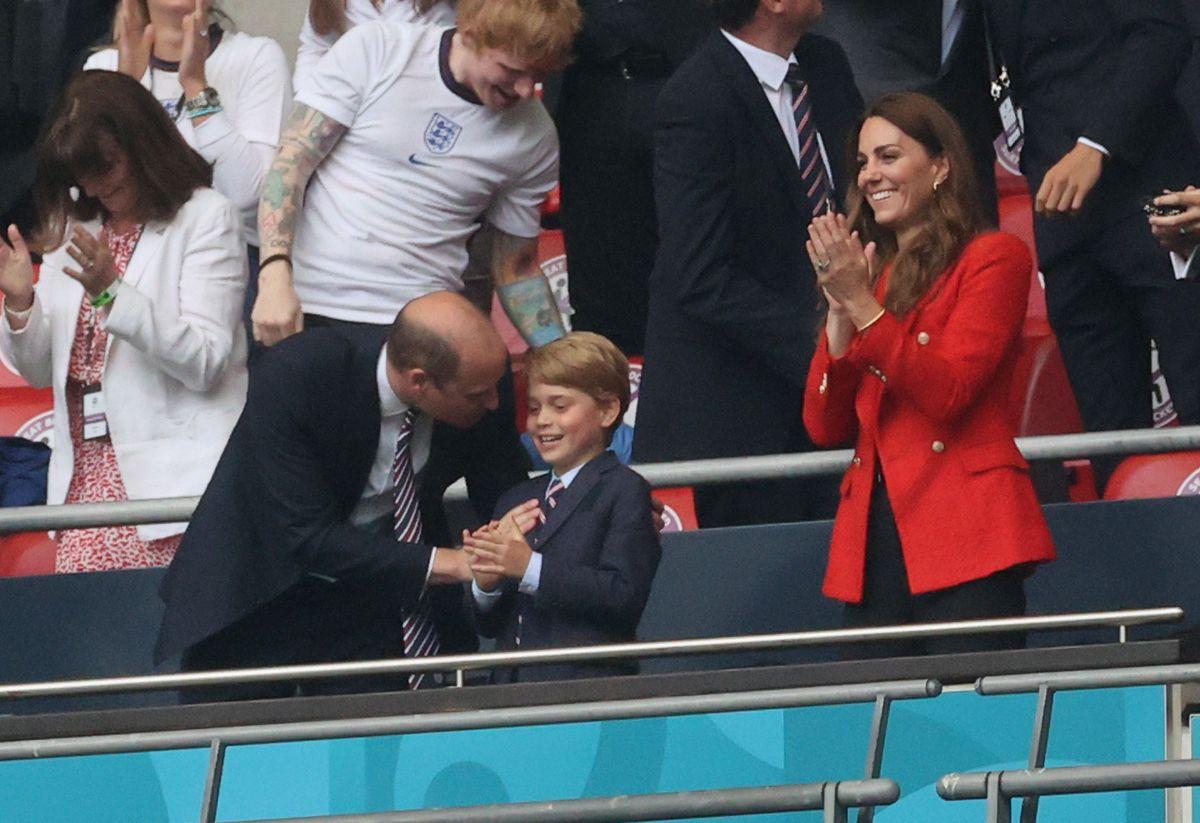 Prins George skal fejre otte års fødselsdag sammen med sine forældre, hertuginde Kate og prins Willian, torsdag.
