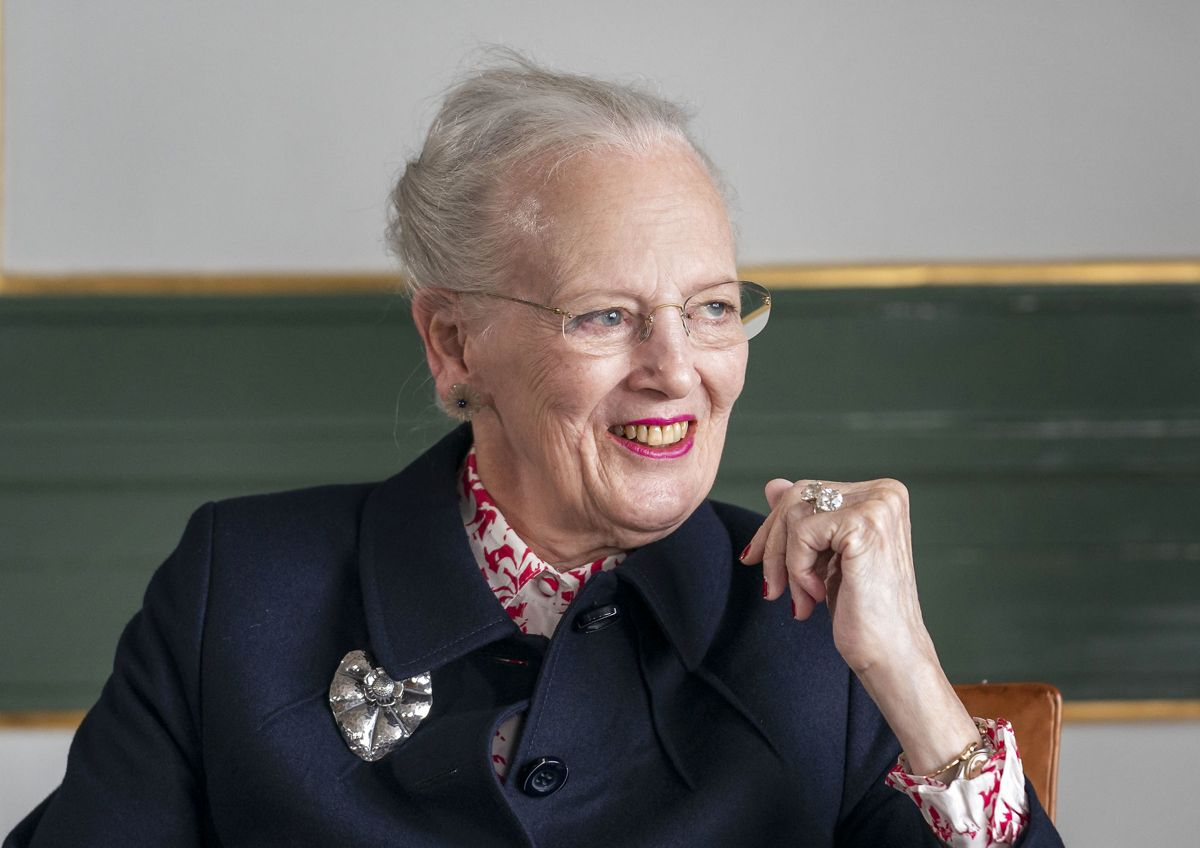 Afsluttende pressemøde med dronning Margrethe efter besøget på Færøerne, Torshavn, mandag den 19. juli 2021. Dronningen skulle have sejlet på Kongeskibet Dannebrog til Færøerne, men en motorfejl på Kongeskibet Dannebrog gjorde, at hun ikke kunne sejle til Færøerne men måtte flyve dertil. DENMARK ONLY/KUN REDAKTIONEL ANVENDELSE/INGEN VIDERESALG. (Foto: HANNE JUUL/Ritzau Scanpix)