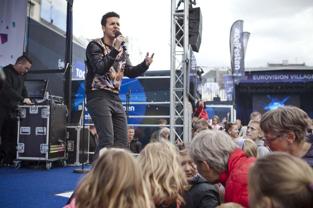 """Basim vandt det danske melodigrandprix tilbage i 2014 med nummeret """"Cliche Love Song. Her optræder han med nummeret i forbindelse med et arrangement til årets Eurovision, som det år blev afholdt i København. (Arkivfoto)"""