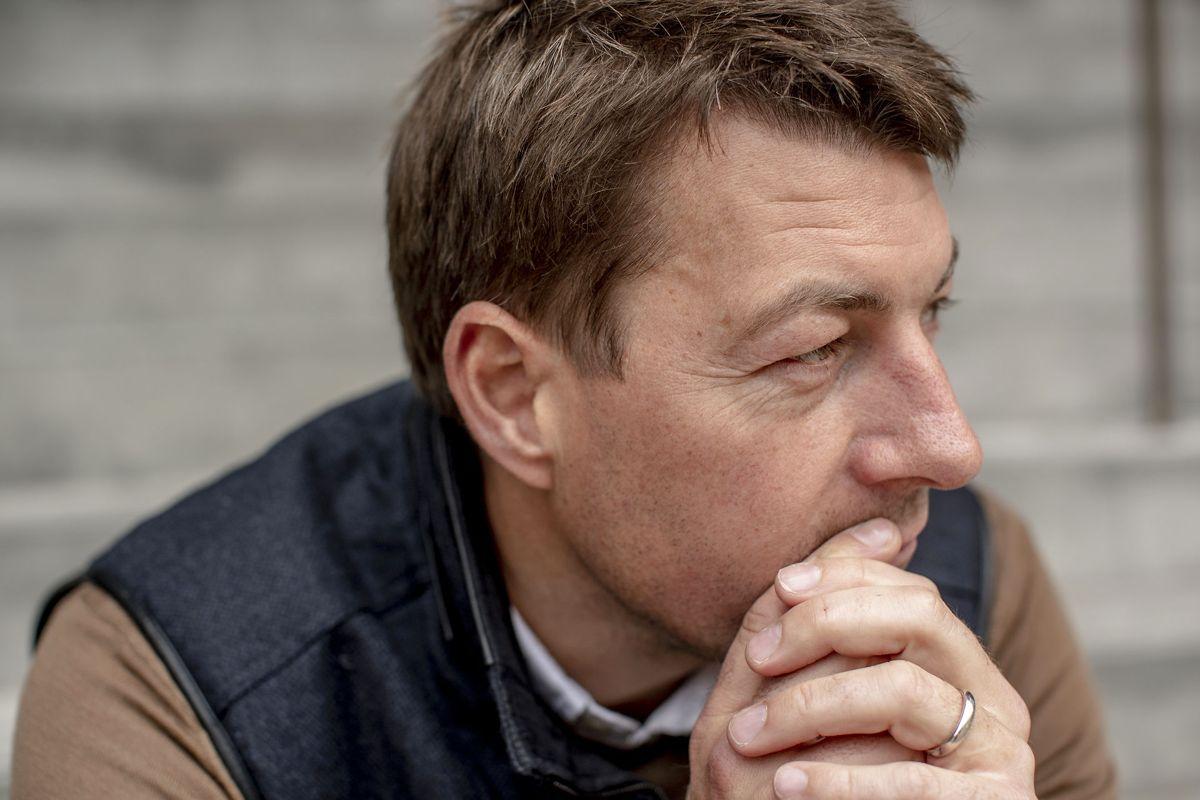 Tarmsygdom afholder den populære tv-vært Morten Ankerdal fra at dække OL i Tokyo.