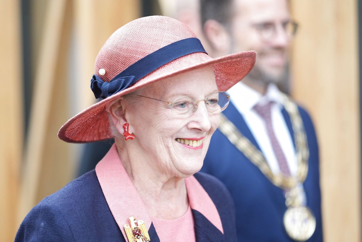 Kongeskibet og den danske dronning er klar til at komme ud og se det danske land