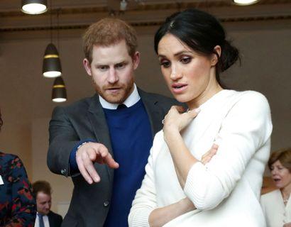 Harry og Meghan har endnu ikke tilladt hendes far at møde deres to børn. Nu truer han med at gå rettes vej for at få lov til at se dem. Foto: Scanpix/Pool News.