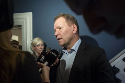 Troels Ravn (S), som 2. august fylder 60 år, har siddet i Folketinget i tre omgange, siden han i 2005 blev valgt for første gang. Han arbejdede i det danske skolesystem i mange år, inden han kom i Folketinget.