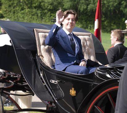 Prins Christian flytter hjemmefra i en ung alder. Han skal nemlig starte i gymnasiet på Herlufsholm Kostskole.