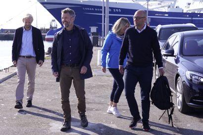 Kronprins Frederik og fiskeriminister Rasmus Prehn er med om bord på et fartøj, der mandag er stævnet ud fra havnen i Skagen for at registrere og mærke tunfisk.