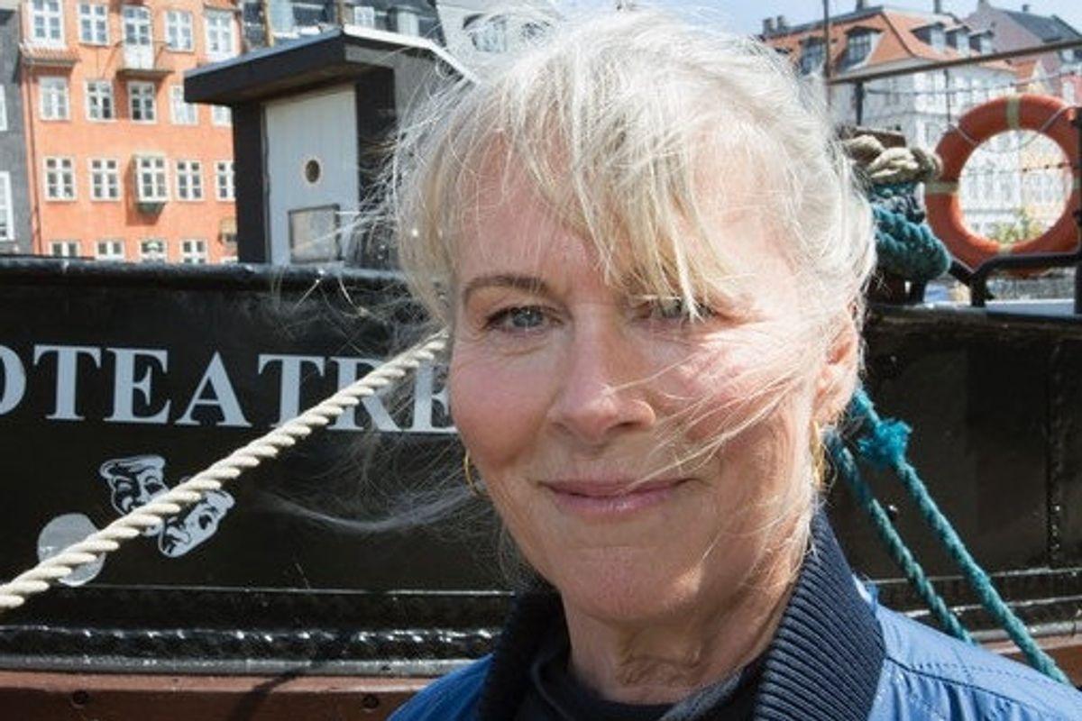 """Jannie Faurschou blev uddannet skuespiller fra Odense Teater i 1974 og har udmærket sig i DR-dramaet """"Borgen"""", familiefilmen """"Snøvsen"""" og dramaet """"Springflod"""", som også indbragte hende en Bodil-statuette i kategorien Bedste Kvindelige Birolle."""