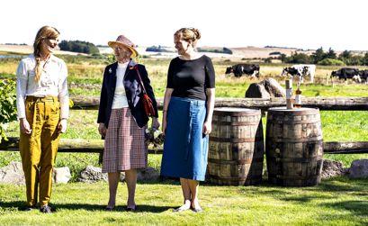 Dronning Margrethe besøgte mandag Thy Whisky på Gyrup Gård i Thy.