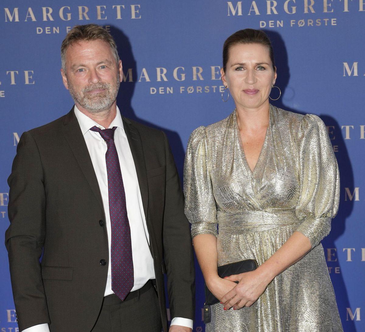 Statsminister Mette Frederiksen (S) og Bo Tengberg. Dronning Margrethe deltager i gallapremiere på filmen Margrete den første i Imperial Bio i København, onsdag den 8. september 2021.