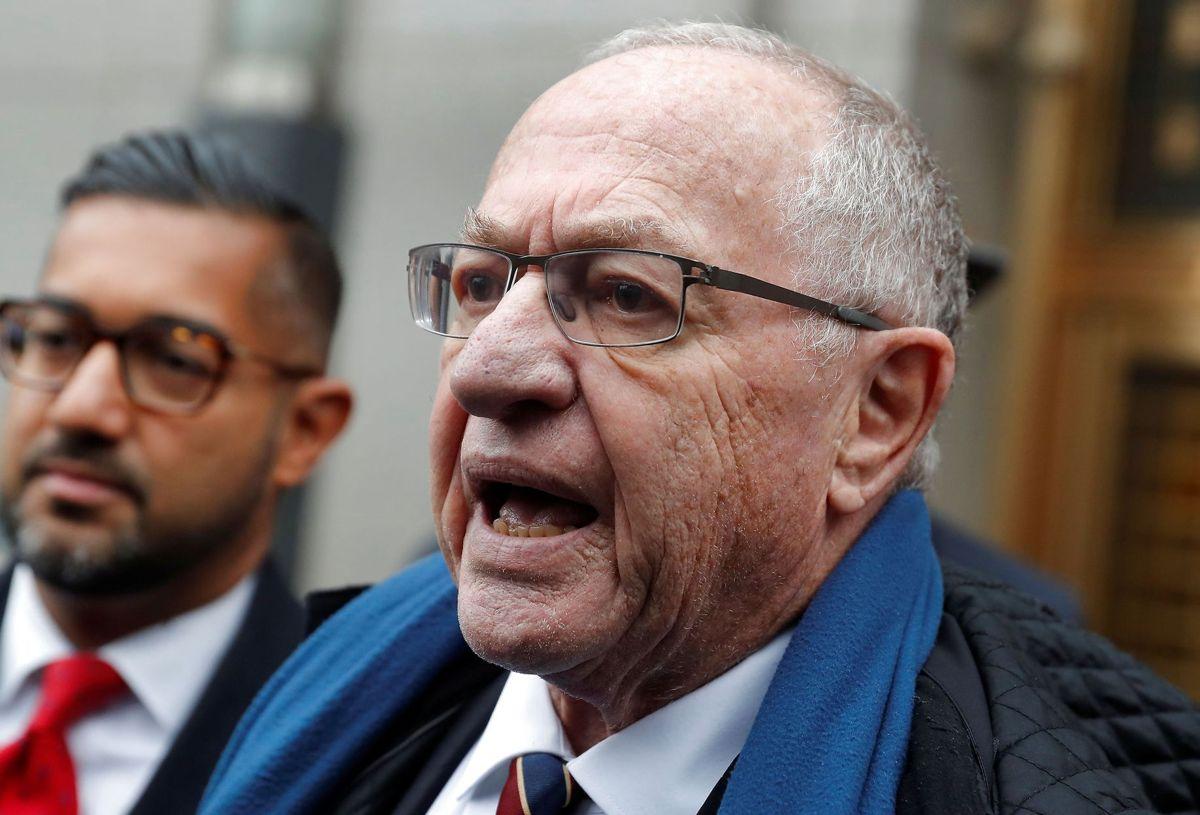 Juraprofessor og topadvokat Alan Dershowitz forsøger nu at komme prins Andrew til undsætning i sex-sag.