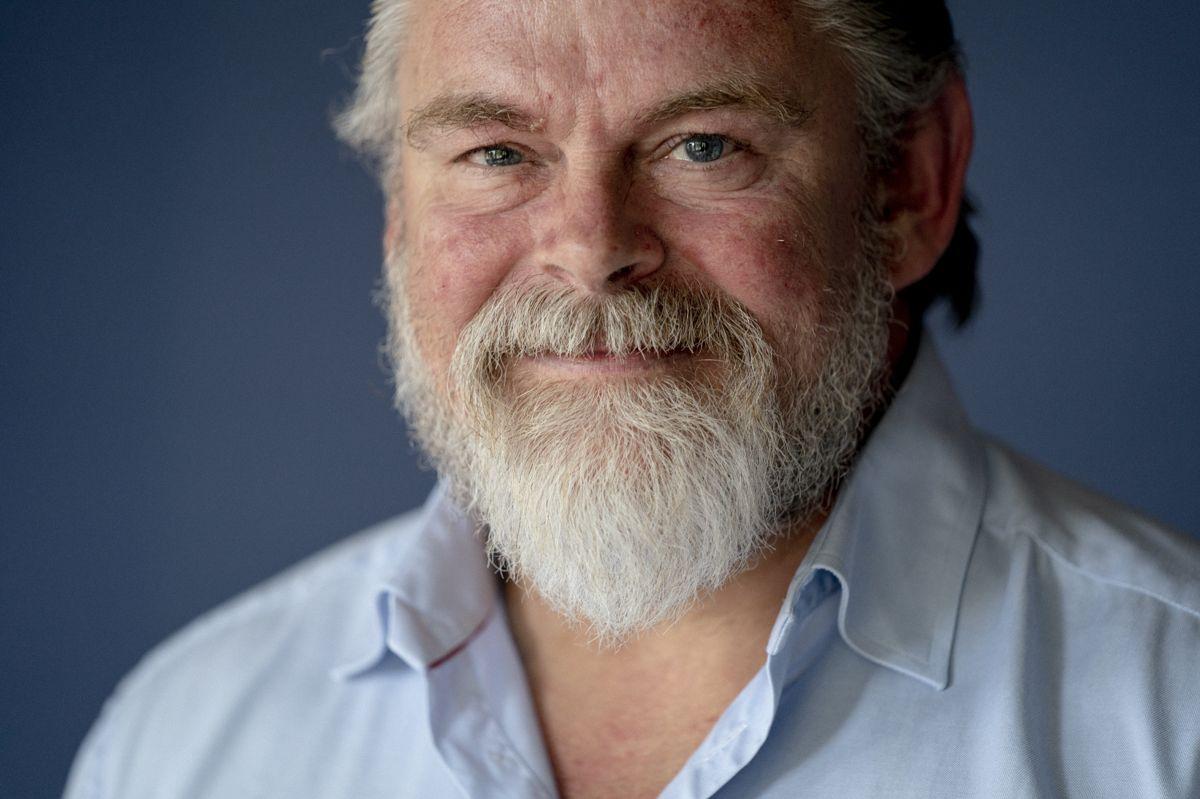 Næste år fylder skuespiller og sanger Stig Rossen 60 år - og han har ingen planer om at drosle ned.