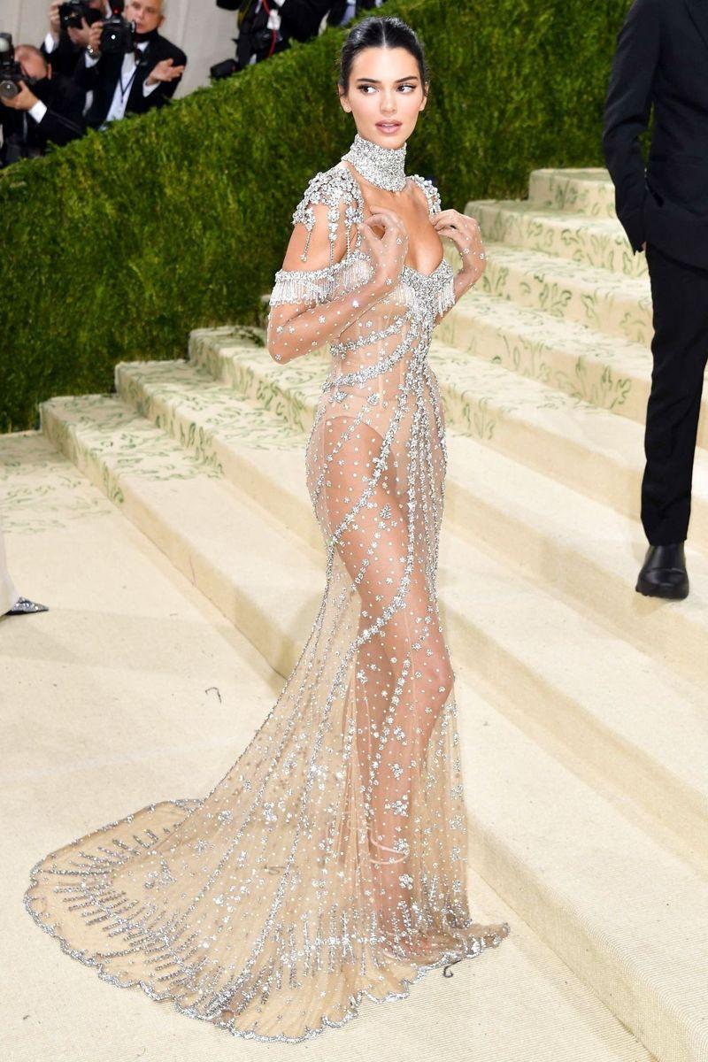 Kendall Jenner overlader ikke voldsomt meget til fantasien.