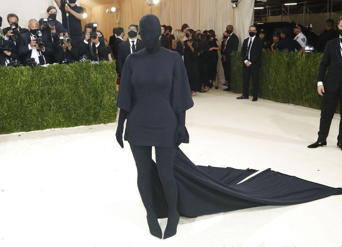 Kim Kardashian ankommer til Met Gala 2021.