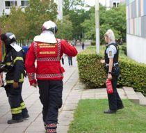 Ung kvinde redder mand ud af brændende lejlighed