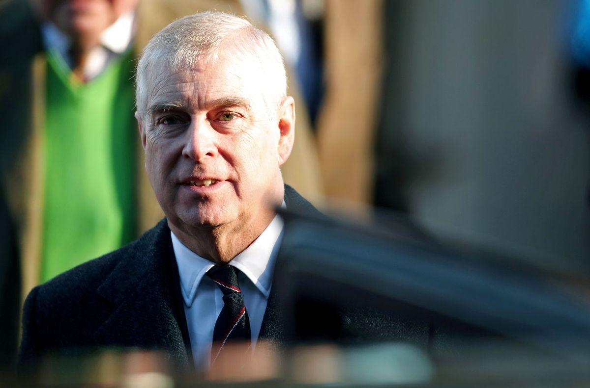 Prins Andrew slipper nu for yderligere undersøgelser i Storbritannien i forbindelse med Virginia Giuffres anklager om seksuelt misbrug mod ham.
