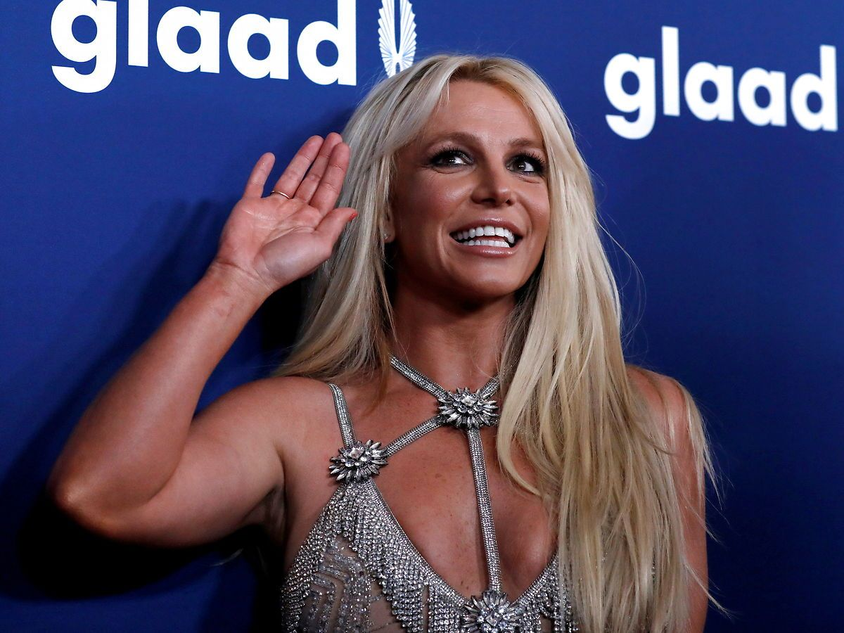 Britney Spears har valgt at tage en pause fra sociale medier, bekræfter hun på Twitter.