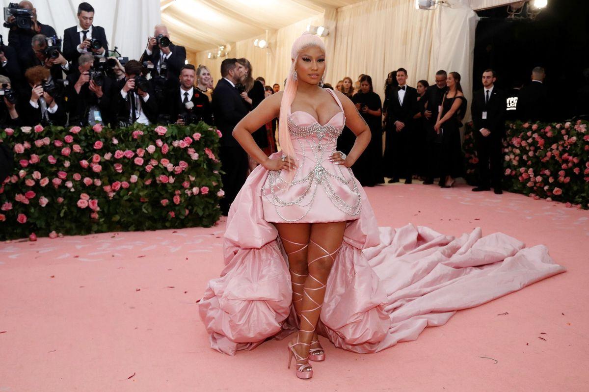Den amerikanske sangerinde Nicki Minaj er kommet i stormvejr, efter at hun delte et opslag på sociale medier, hvor hun gav udtryk for vaccineskepsis.
