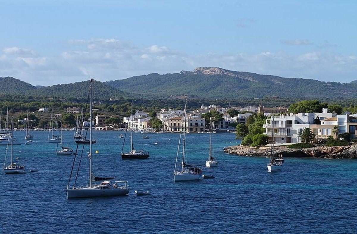 Det var i nærheden af havnen Porto Colom, at de to mænd mistede livet.