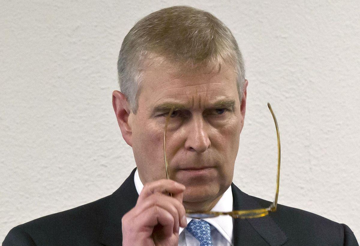 Dommer fastslår nu, at prins Andrew har fået udleveret søgsmål anlagt af Virginia Giuffre på ret vis.