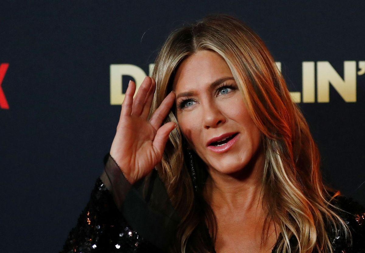 Det bliver uden Jennifer Aniston, når der søndag skal uddeles EMMY Awards i Los Angeles.