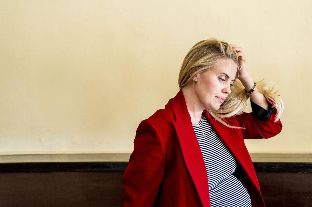 Skuespiller Anna Stokholm er højgravid med sit første barn, og hun glæder sig rigtig meget til at blive mor.