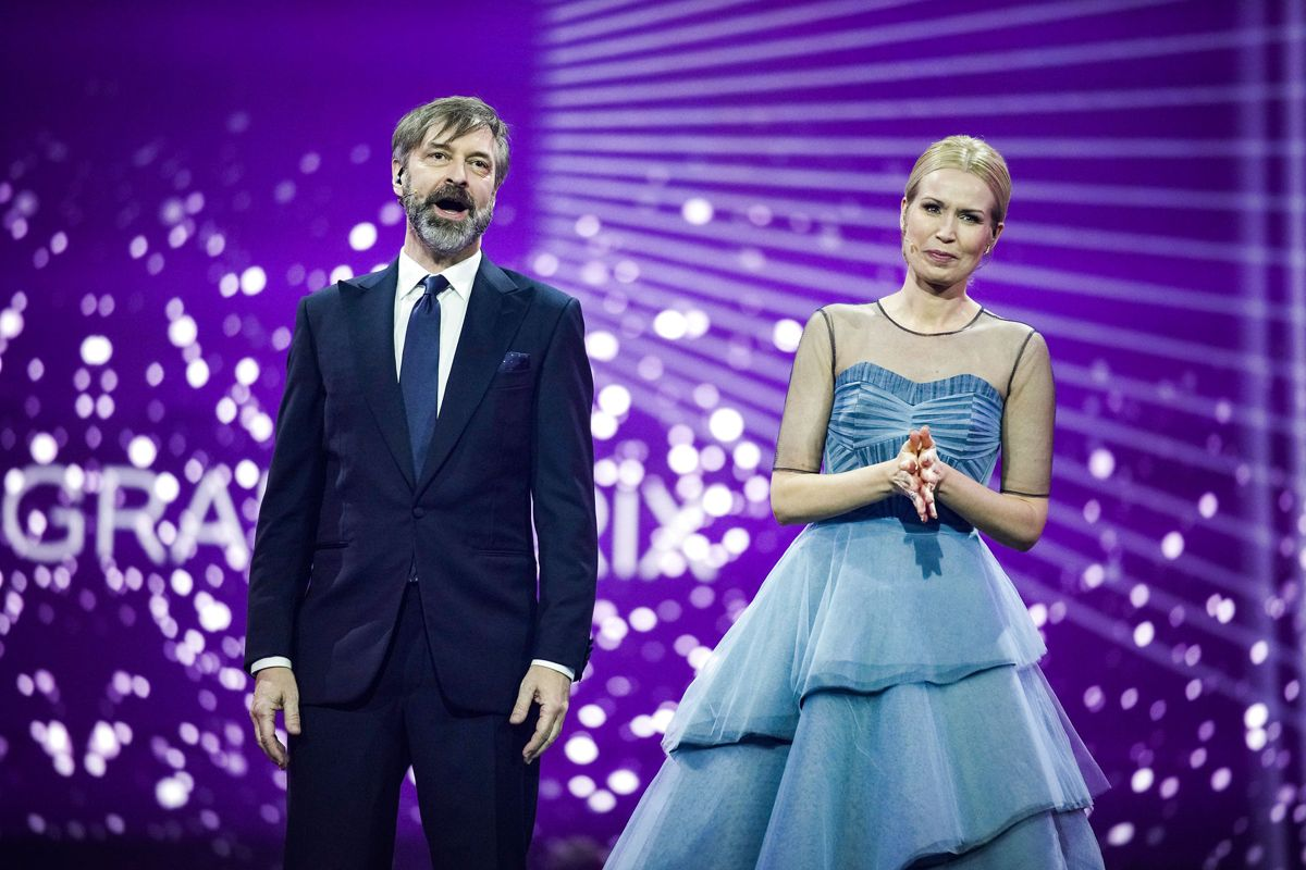 Værterne Tina Müller og Martin Brygmann stiller op igen.