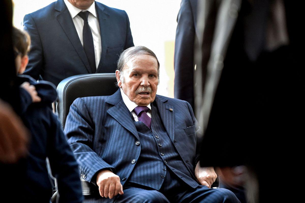 Abdelaziz Bouteflika blev i 2013 ramt af et slagtilfælde, hvilket sendte ham i kørestol. Her ses han i november 2017.