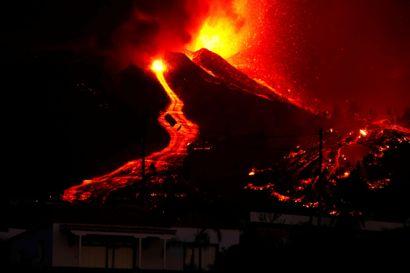 Et vulkanudbrud på den spanske ferieø La Palma har fået den spanske premierminister til at udskyde sin deltagelse i FN's Generalforsamling.
