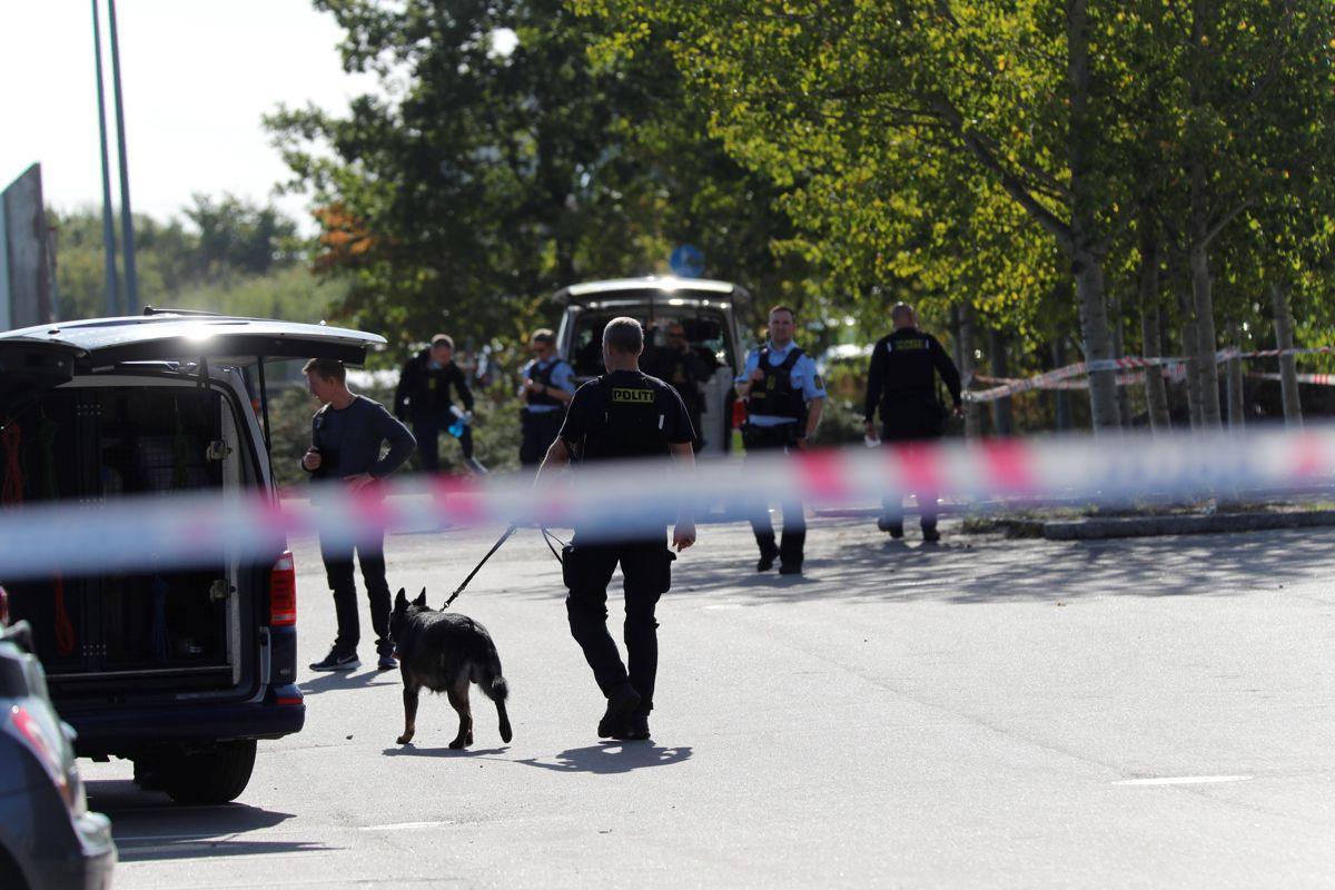 Politiet er talstærkt til stede i Taastrup.