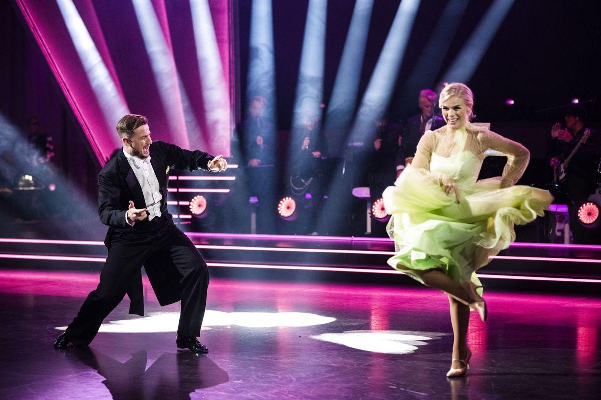 """I anden udsendelse af """"Vild med dans"""" dansede Jimilian og Asta en quickstep, og fik sammenlagt 22 point fra dommerne."""