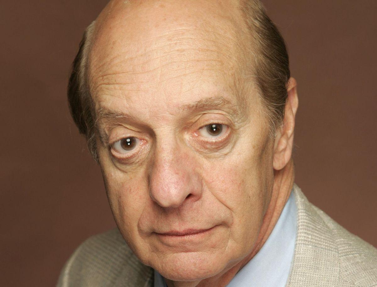 Den nu afdøde amerikanske skuespiller Basil Hoffman.