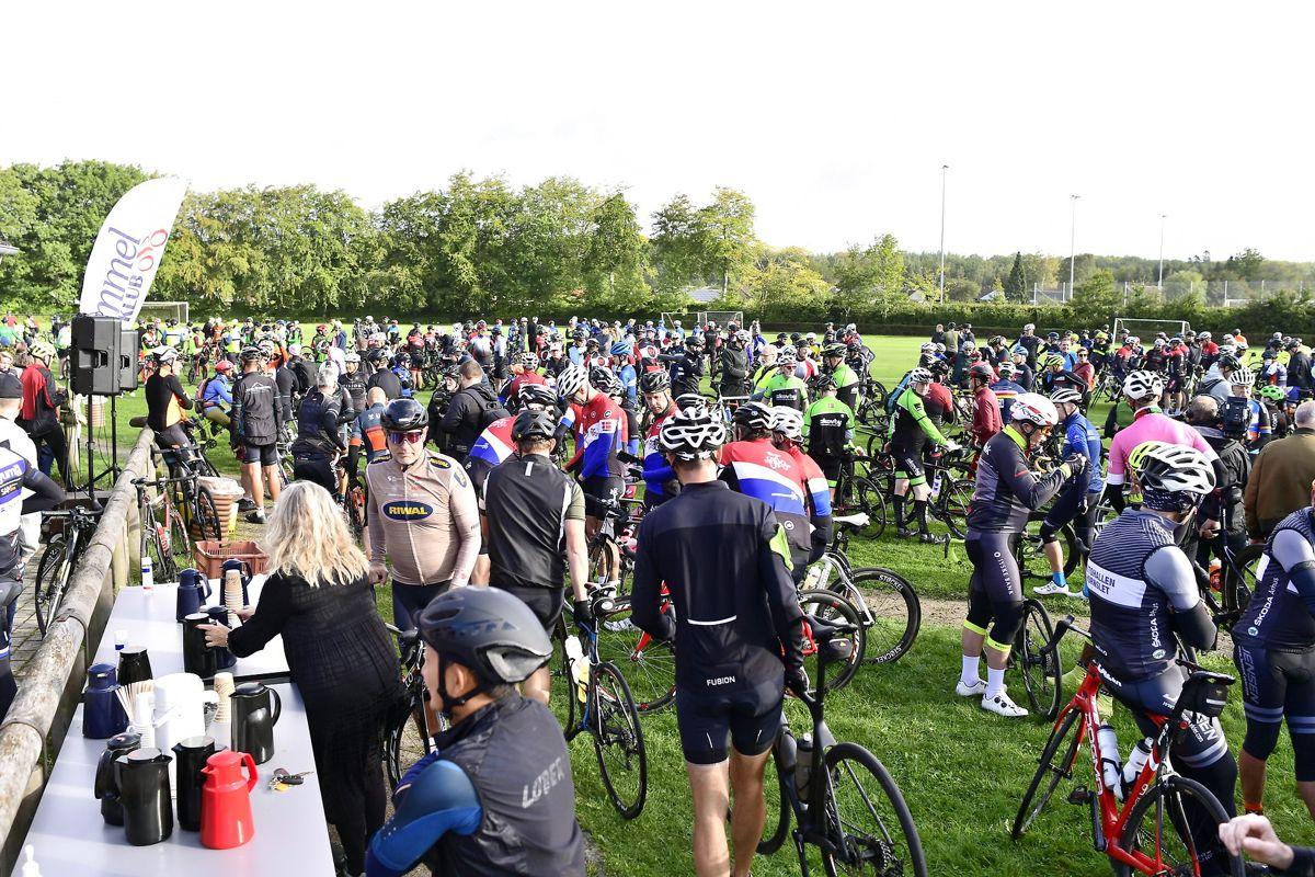 Chris Anker Sørensen bliver mindet af Hammel Cykle Klub, lørdag den 25. september 2021.
