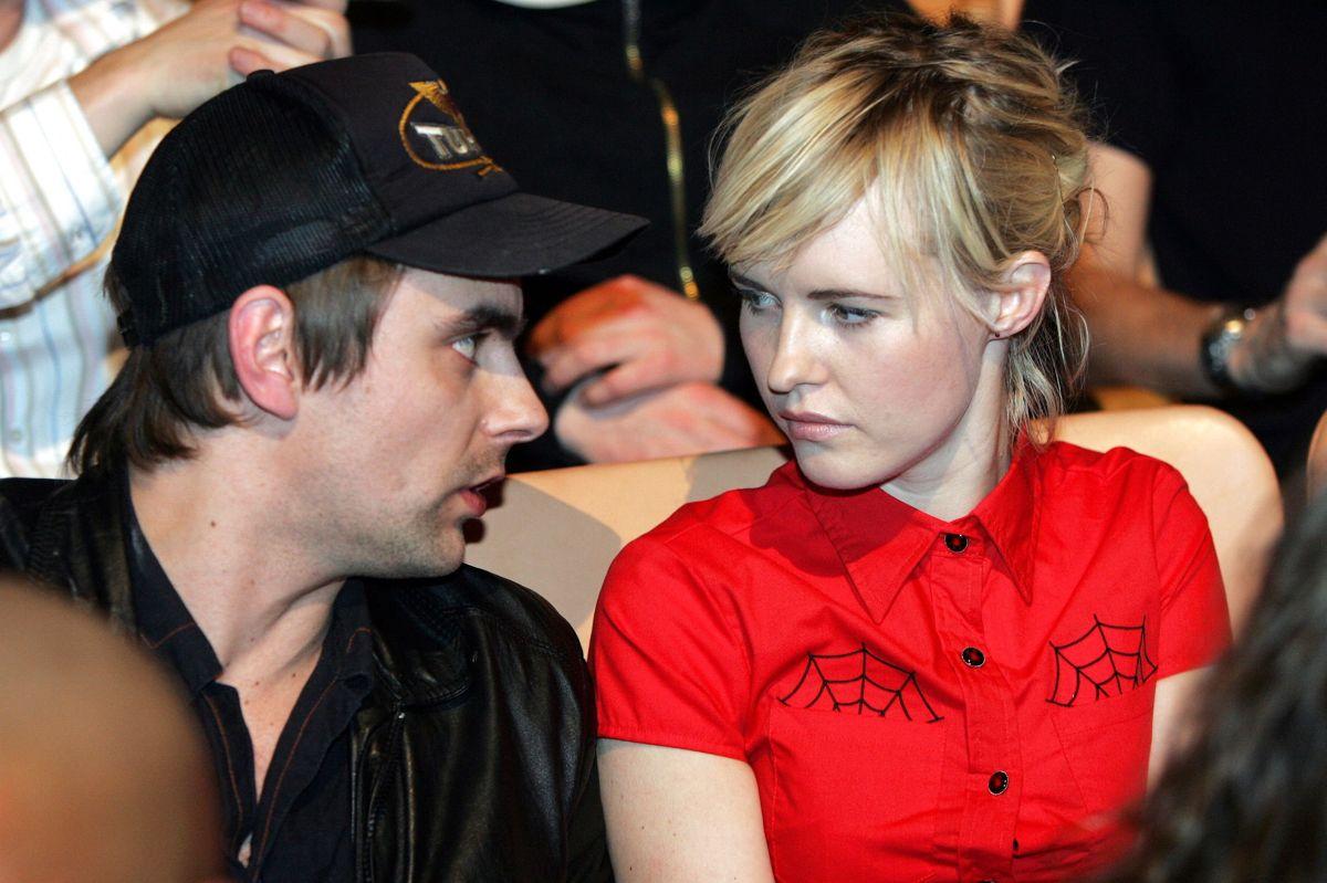 Privat er Simon Kvamm gift med journalist og forfatter Stine Ellerbæk, og sammen har parret døtrene Elinor på 14 år og 9-årige Alice. Her ses parret tilbage i 2005 til uddelingen af P3 Guld. (Arkivfoto)