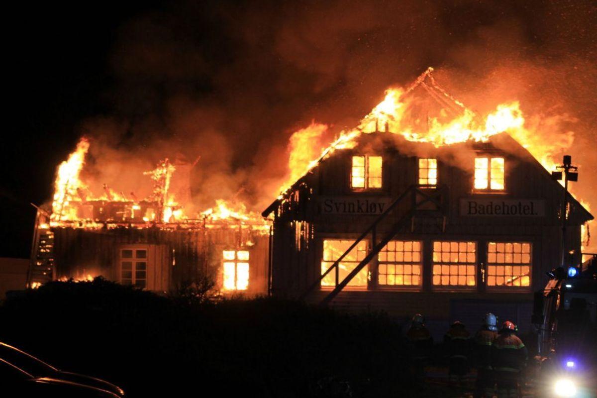 Søndag er det fem år siden, at det legendariske Svinkløv Badehotel brændte ned til grunden.